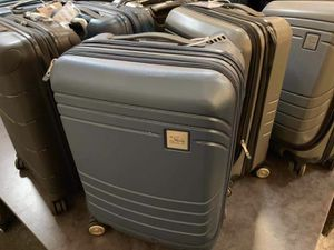 NEW $25 each 21.5x15x9.5 inches Skyway spinner wheel expandable cascadia carry on luggage for Sale in Santa Fe Springs, CA