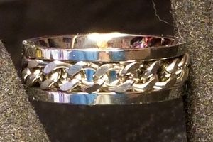 Silver Stainless Steel Cuban Curb Spinning Chain Ring. for Sale in Amarillo, TX