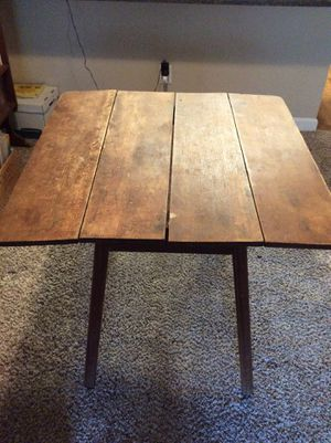 Reduced Price: Antique wooden table with fold out ends, has so much Character. Rustic/ Antique Decor for Sale in Bellaire, TX