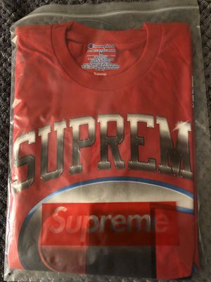 SUPREME SS19 RED CHAMPION CHROME for Sale in Everett, WA
