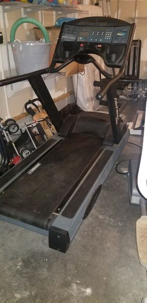 Commercial Grade Life Fitness 9500HR Treadmill for Sale in Midlothian, VA