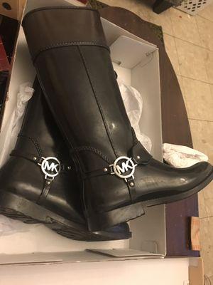 Michael Kors rain boots size 8 for Sale in Dearborn, MI