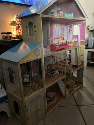 Life size doll house fully furnished for Sale in Apache Junction, AZ