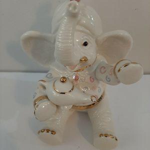 "Lenox ""Wishing For Peanuts Elephant FIGURINE for Sale in Duluth, GA"