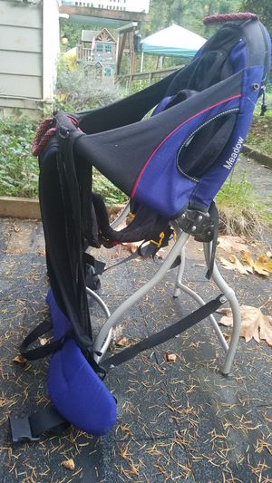 Hicking baby carrier backpack for Sale in Snohomish, WA