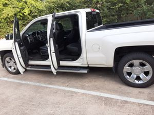 Chevy Silverado Z71 for Sale in San Antonio, TX