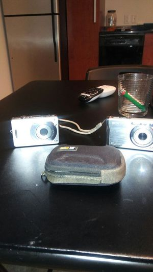 Good working camara. Sony with case for Sale in St. Louis, MO
