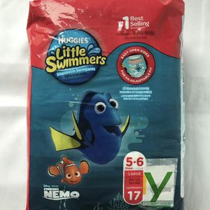 Huggies Little Swimmers Size 5-6 for Sale in Los Angeles, CA