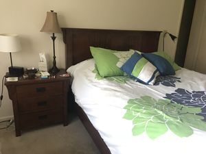 Queen bedroom frame set of (4 pc) for Sale in North Bethesda, MD