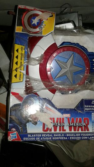 Captain america blaster reveal shield/escudo ataque sorpresa del capitan america for Sale in San Bernardino, CA