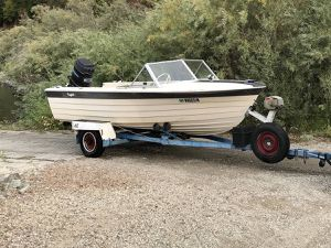 1967 Reinell and 1973 EZ Loader with 90hp Mercury outboard for Sale in Marysville, WA