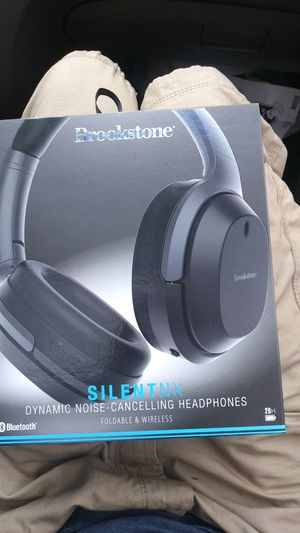Brookstone noise cancelling headphones. for Sale in Tacoma, WA