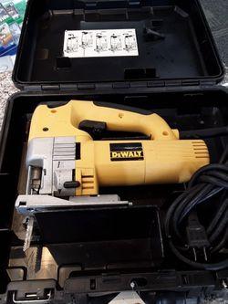 Dewalt 5.8 Amp Variable Speed Jig Saw for Sale in Eastlake,  OH