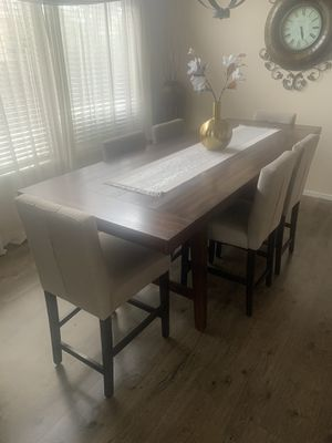 Dining room table and chairs for Sale in Modesto, CA