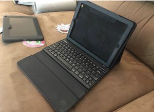 iPad Keyboard and cover for Sale in Gambrills, MD
