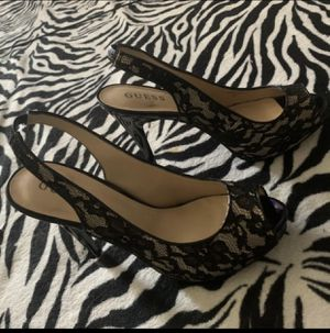 GUESS Black Lace Platform Heel. (Size8.5) for Sale in Phillips Ranch, CA