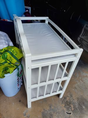 Changing table with diaper pail for Sale in Vista, CA