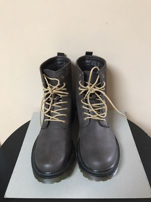 21 Men Brown Work Boots, Men's, Boy's Shoes Size 9 for Sale in Pacific, WA