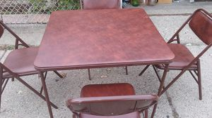 Small square kitchen table with 4 cushy chair for Sale in Hamtramck, MI