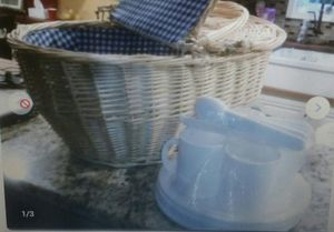 New Picnic Basket with 4 plates 4 cups 4knives 4 forks for Sale in Marietta, GA
