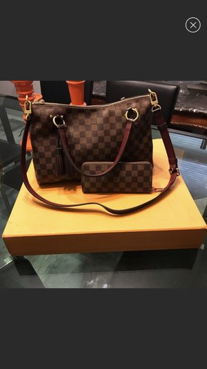 Louis Vuitton Lymington bag for Sale in Palos Heights, IL