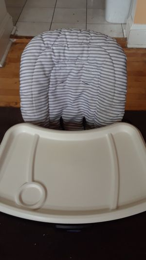 Graco child's booster seat - food tray for Sale in Minneapolis, MN