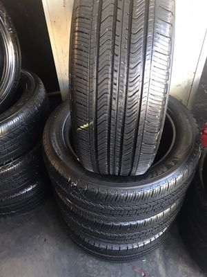 Set good used tires 215/55/17 Michelin semi new $180 for Sale in Commerce, CA