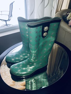 Glamorous rain boots for Sale in Bolingbrook, IL