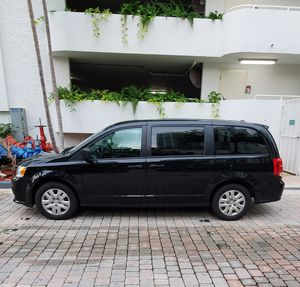 2019 DODGE CARAVAN for Sale in North Miami Beach, FL