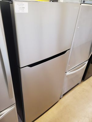 Insignia Top Freezer Refrigerator for Sale in Whittier, CA