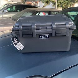 Yeti Loadout go box box for Sale in Vacaville, CA