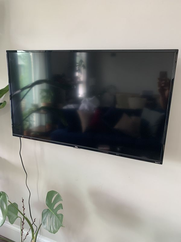 TCL 40 in 1080p SMART LED Roku TV (2019)