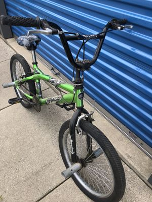 Kids Green bike for Sale in Alexandria, MN