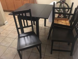 Kitchen table for Sale in Downers Grove, IL