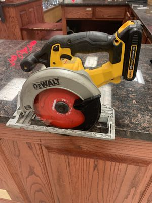 Dewalt cordless circular saw for Sale in Austin, TX
