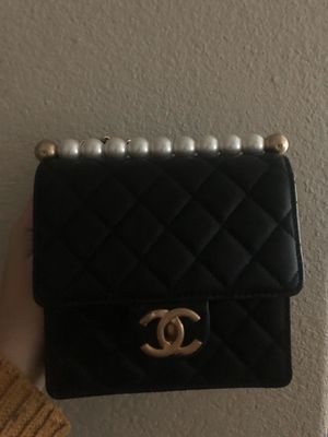 authentic Chanel pearl cross body bag for Sale in Paoli, PA
