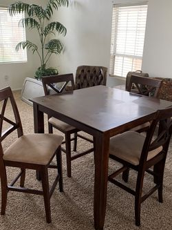 Kitchen Table Counter Height for Sale in Leona Valley,  CA