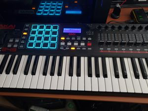 AKAI MPK249 MIDI KEYBOARD for Sale in Seattle, WA
