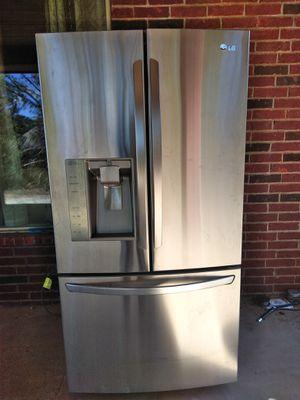 LG stainless steel refrigerator for Sale in Alvarado, TX