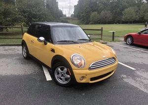 2007 Mini Cooper hatchback 2 door for Sale in Atlanta, GA