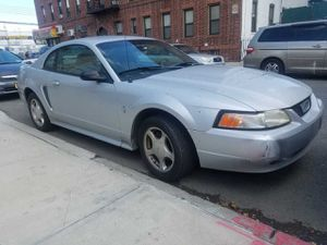 2004 Ford Mustang 6 cylinder for Sale in Bridgeport, CT