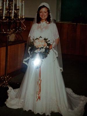 Vintage Wedding Dress for Sale in Johnson City, TN