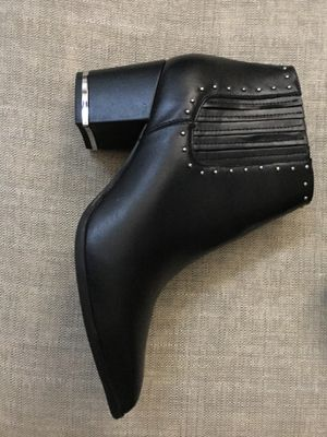 Authentic Michael Kors women's leather ankle boots for Sale in Chantilly, VA
