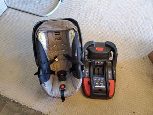 Britax B-Safe 35 Infant Car Seat with Base for Sale in Seattle, WA