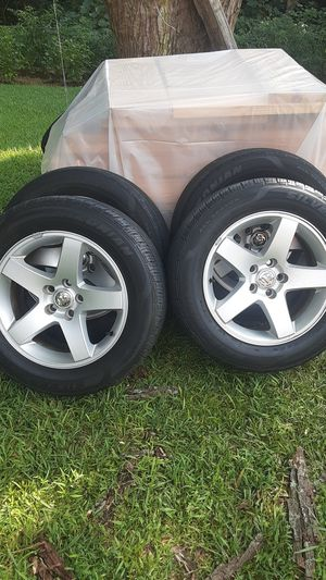 Tires 215/65R 17 for Sale in Charlotte, NC