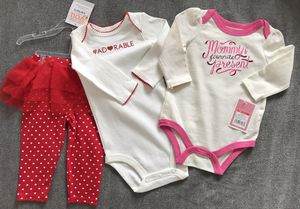 Baby Girls 3 pc set Size 3-6 months for Sale in Alexandria, VA