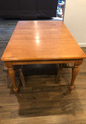 Kitchen table and chair for Sale in Arlington, TX