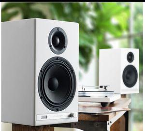 Audioengine HD6 WIRELESS BLUETOOTH POWERED BOOKSHELF SPEAKERS for Sale in Shawnee, KS