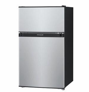 Frigidaire 3.1 cu Ft mini fridge for Sale in White Oak, PA