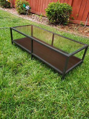 Glass and metal coffee table for Sale in Beaumont, CA